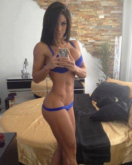 Milf in the Mirror Monday!