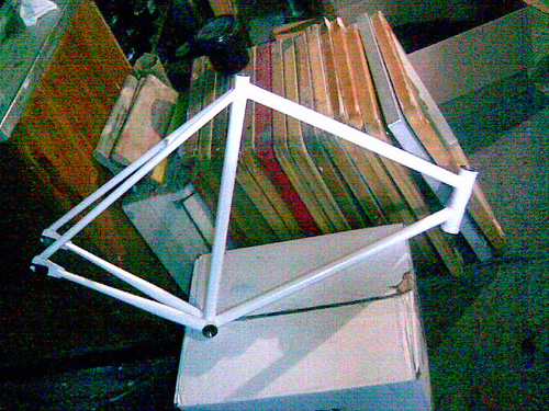 i got my new fbm track frame in the mail today