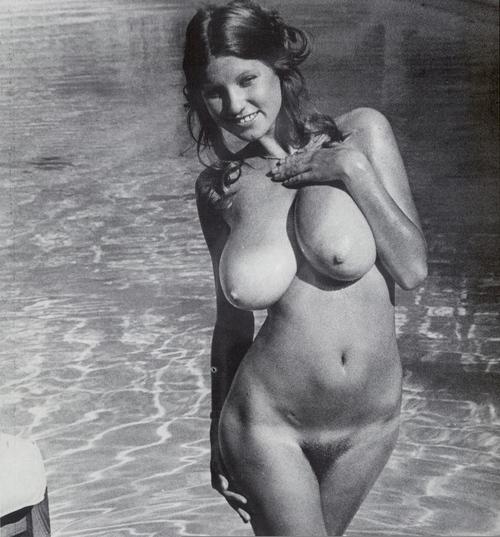 boobies and buttz